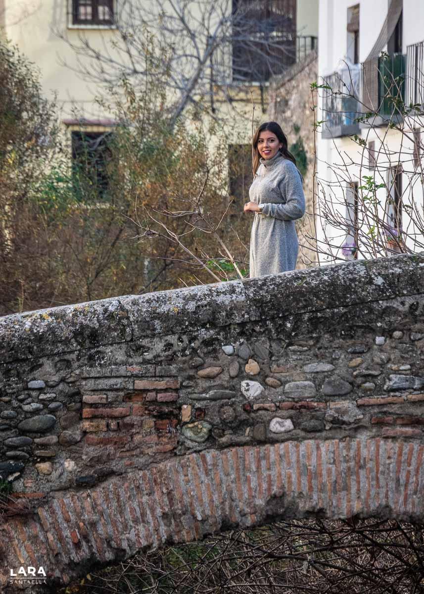 Mujer en el puente